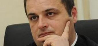 Nimanbegu, një pozitë më pak – Popoviq shef i klubit të deputeteve