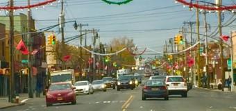 Qyteti i Nju Jorkut stoliset me flamuj kuq e zi me rastin e Ditës së Flamurit (foto)