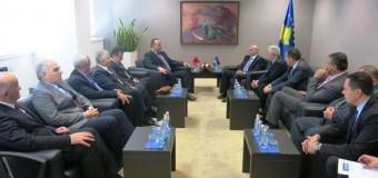 Kryeministri i Kosovës Mustafa takon biznesmenët e trojeve shqiptare – Në takim Jakup dhe Selatin Gjeloshi