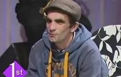 """Lypësi këngëtarit në Ulqin:  """"Merri 50 euro, e këndoma një këngë"""" (video)"""