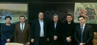 Perfaqësues të komunës së Ulqinit takojnë kryetarin e Prishtinës Shpend Ahmetin (foto)
