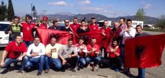 Madhështore: 12 mijë plisa në Elbasan Arena – Tifozat nga Ulqini mbërrijnë në Elbasan (foto, video)