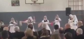 """Festë në Krajë – Sh.F. """"Skenderbeu"""" kremtoi ditën e shkollës (video)"""