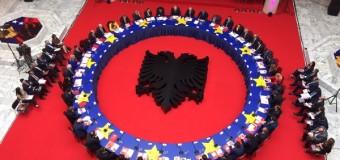 Maloku: Takimi i Kosoves dhe Shqiperise te mos mbetet vetem per fotografi