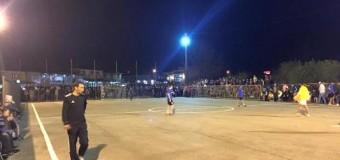 Aktivitet i bukur sportiv në Anë të Malit – Mbi 500 veta ndjekin natën e parë të turneut të futbollit (foto)