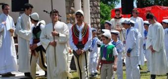 Dom Pjeter Popaj, nga Nju Jorku, kremton festën e Shën Kollit me shqiptarët në vendlindjen e tij në Ulqin