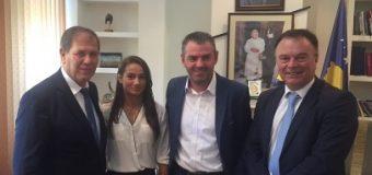 Në respekt të kampionës olimpike, Gjoni dhe Haxhibeti në Kosovë