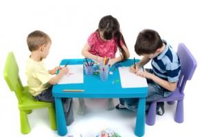 femijet-duke-punuar
