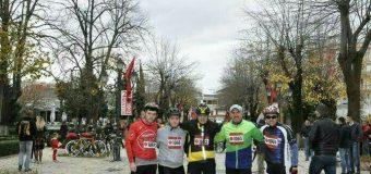 Ja si e festuan 28 Nëntorin disa dashamirë të çikzmit në Ulqin (foto, video)