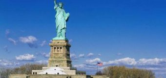 """Vizitë në ishullin e Imigrantëve,  """"Tokën e Premtuar"""" – Liberty Island dhe Ellis Island"""