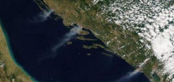Zjarret në Kroaci dhe Mal të Zi, tymi shihet nga kozmosi