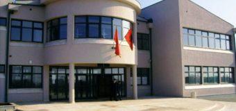 Prindërit kërkojnë që fëmijëve shqiptarë të i'u sigurohet mësimi në gjuhën amtare, paralajmërojnë bojkot