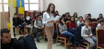 """U përurua vëllimi poetik për fëmijë """"Kopshti i xixëllonjave"""" i autorit Ali Gjeçbritaj"""