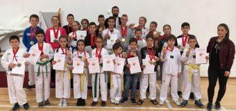 E vertetë, 22 kampionë në kampionatin e Malit të Zi për klubin e Taekwondo-së Ulqini