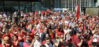 Frymëzim dhe dashuri e madhe e emigrantëve për vendlindjen e tyre – Në Nju Jork u zhvillua Parada shqiptare