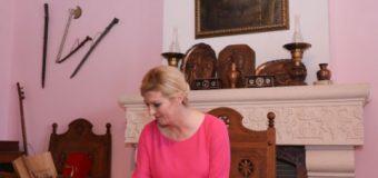 """Presidentja e Kroacisë Grabar-Kitaroviç në Krujë – Gjergj Kastrioti Skënderbeu ishte """"Qytetar nderi"""" i Raguzës"""