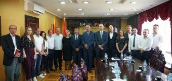 Një delegacionin i Komunës së Deçanit vizitë Ulqinit
