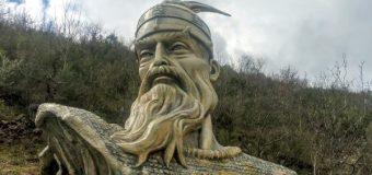 Gjigante: Skulptura artistike e Skënderbeut në Labinot të Elbasanit (FOTO)