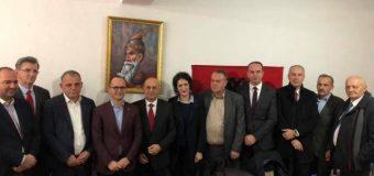 Plavë: Ministri i jashtëm shqiptar takon kryetarët e partive politike shqiptare në Mal të Zi