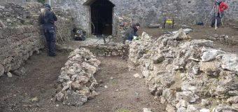 Në Kalanë e Ulqinit fillojnë punimet konservuese, udhëheqëse e ekspeditës Biljana Brajoviq