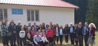 Karvani i shkrimtarëve vendas në shkollat fillore në Dacaj dhe Plavë