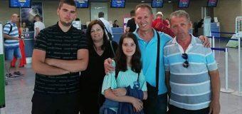 Vazhdon frikshëm emigrimi i shqiptarëve nga Mali i Zi – Gazetari njohur nga Ulqini familjarisht drejt SHBA-ve