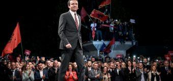 Albin Kurti dhe Levizja Vetevendosje fitojnë zgjedhjet në Kosovë