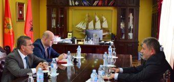 Ambasadori i Kosovës në Mal të Zi  Ylber Hysa vizitoi komunën e Ulqinit