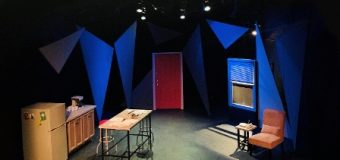 """Andis Gjoni, skenograf i premierës botërore në """"Gene Frankel Theater"""" në Nju Jork"""