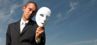 Hipokrizia, veçori e njerëzimit