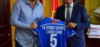 Lorik Cana dëshiron të ndërtojë në Ulqin fushë sportive