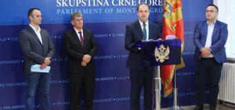 Nimanbegu dorëzon në procedurë propozim Ligjin rreth kthimit të ullishtes së Valdanosit (video)