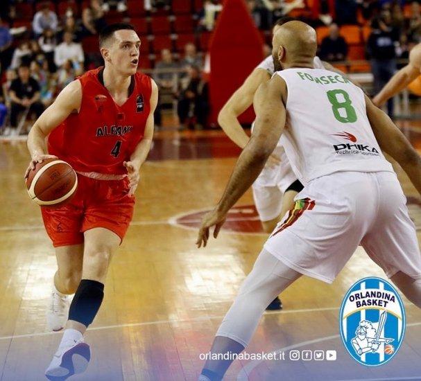 """Basketboll: """"Ulqinaku-shkodrani"""" Çelis Taflaj nënshkruan për Capo d'Orlando në Itali"""